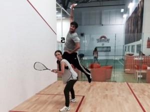 Adela Popescu și Radu Vâlcan, rivali într-un meci de squash