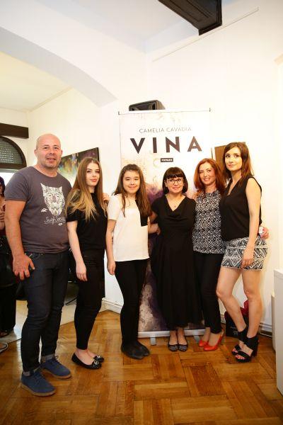 Camelia Cavadia si-a lansat romanul Vina1